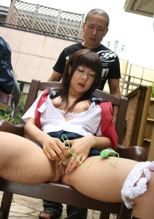Invaluable assistant helps asiatic boss cum with the help of tiny dildos