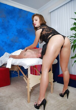 Masseuse with red hair does it with dude who pays for additional sexual service