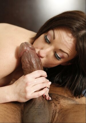 Black dude with giant fuck tool screws white Mom i`d like to fuck Jennifer White in bedroom